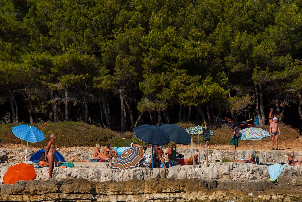 Rovinj-Swinger-beach-04.jpg ...
