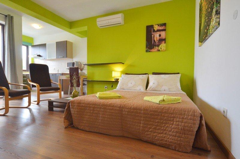apartmani fantazija rovinj. Black Bedroom Furniture Sets. Home Design Ideas